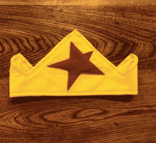 gold crown and red star